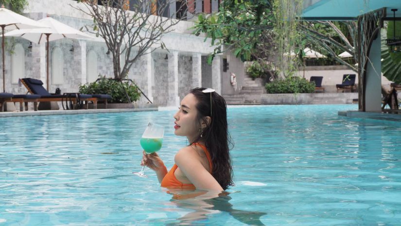 pool-bar-offers