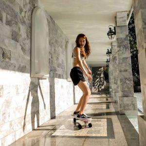 Surf Skate in Hotel
